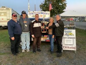 Race 15 Nostalgia Winner – Dick Coleman and family