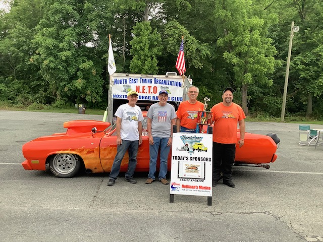 Comp Runner Up - Jerry Deslandes with his orange '70 Plymouth Duster